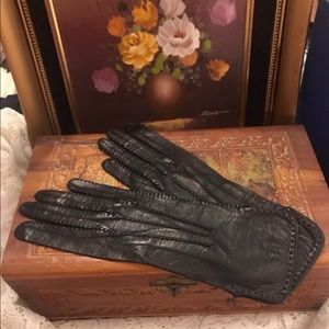 Vintage Short Black Leather Gloves - Small